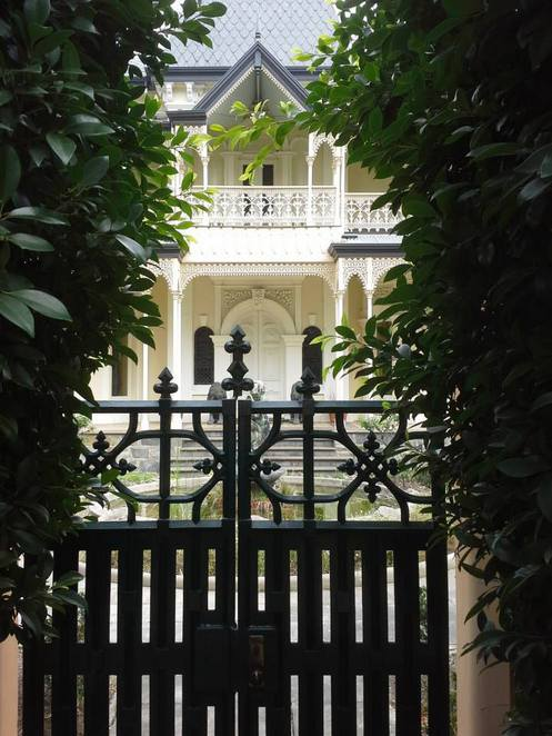 7 Historic Mansions on East Terrace