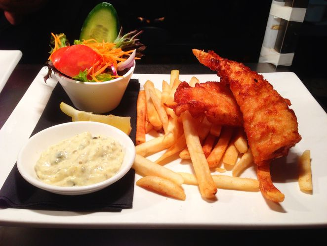 cafe, restaurant, adelaide, cheap eats, curry, asian food, chinatown, pubs, lunch specials, beer battered fish
