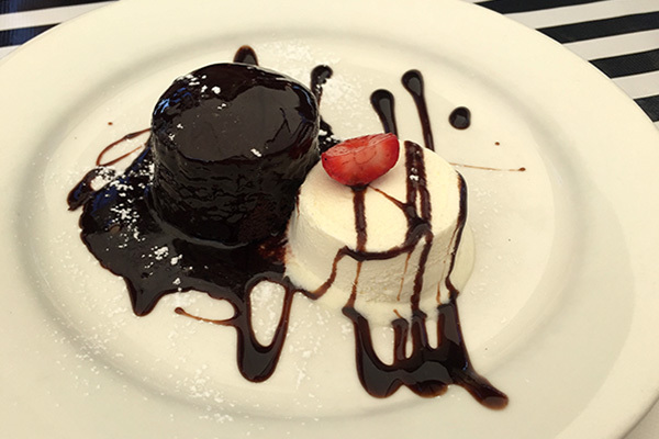 Chocolate Pudding, Cafe 63 Yeronga, best dessert Brisbane, coffee and cake Yeronga