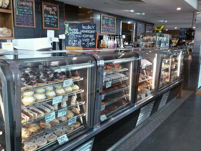 dobinsons, bakery, cafe, best bakery in canberra, ACT, sausage rolls, pies, cakes, cafe,