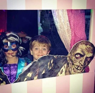 Halloween, creepy, zombie, grave, skull, skeleton, face paint, props, scary