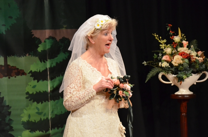 Sonja Agjee - Jilted at the alter - Everyone boo