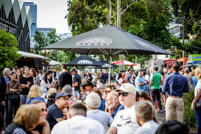 south melbourne night market 2020, community event, fun things to do, shopping, food and wine, family friendly, entertainment, music, activities, seafood, homewares, craft, fashion, jewellery, market stalls, late night shopping, workshops, live performances, free market event