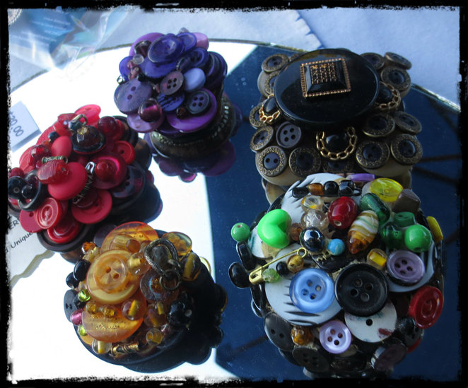 buttons to go, button craft, market, market stall, shopping, vintage buttons, vintage, brooches, necklace, rings, bookmarks, hairbands