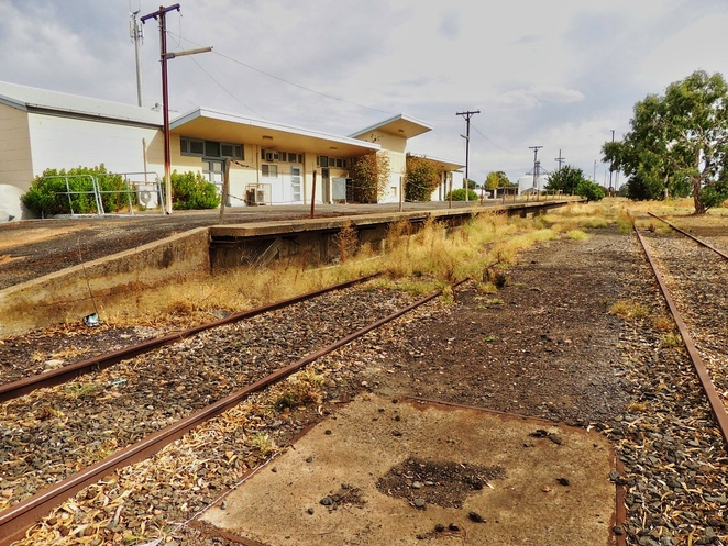 lost railway stations, disused railway lines, limestone coast, limestone coast tourism, limestone coast wineries, regions of south australia, train station, railway enthusiasts, railway history, naracoorte railway station