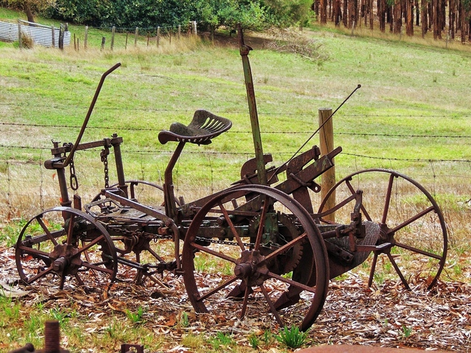 battunga country, kuitpo forest, meadows, meadows hotel, kyeema conservation park, kuitpo colony, kuitpo colony history, prospect hill, prospect hill museum, farm machinery