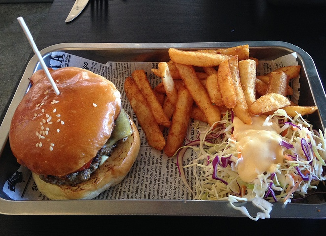 uncle sam, beef and barley, canberra, kingston foreshore, burgers, best burgers, ACT