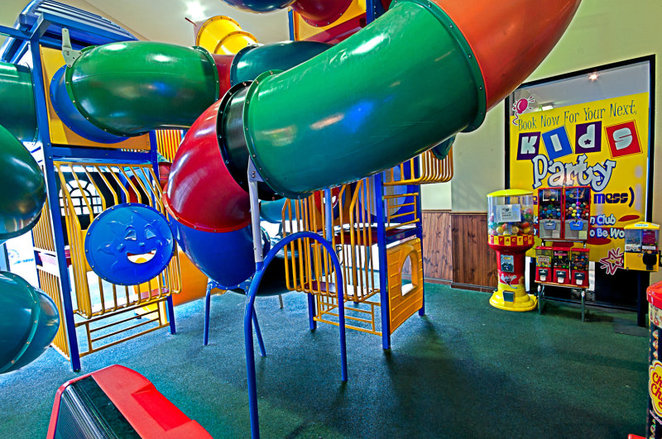 warm restaurants melbourne, indoor playground restaurants, family restaurants, glengala
