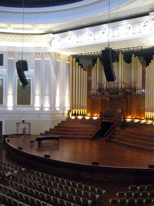 Along with the Museum of Brisbane, City Hall is also an interesting place
