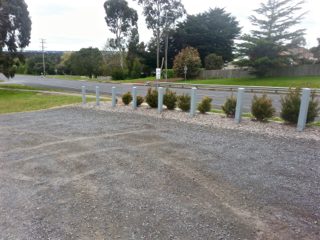 elliminyt Recreation Reserve, Colac, Playgrounds in Colac, parking, free parking, unsealed carpark, gravel carpark,