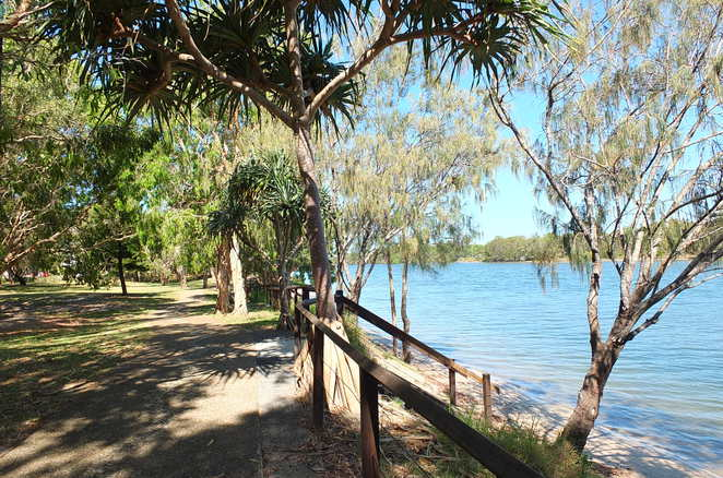 Kathleen McArthur Conservation Park, Heath Trail, Currimundi Lake, short walks, wildflowers, coastal birds, views of the ocean, childrens' playground, picnics, barbecue facilities, fishing, swimming, canoeing, seating, section wheelchair-accessible, beach picnic areas, isolated