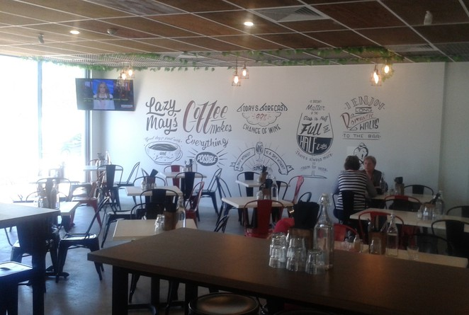 lazy mays, tuggeranong, best coffee in tuggeranong, canberra, ACT, breakfast, lunch, dinner,