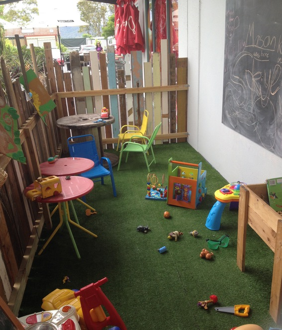 play area kids Birds and bees cafe everton hills