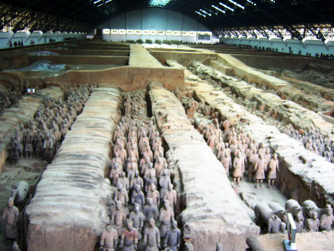 Terracotta Army in rows
