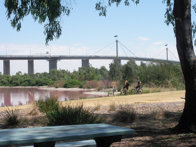westgate park,westgate bridge,lake,table,cyclists