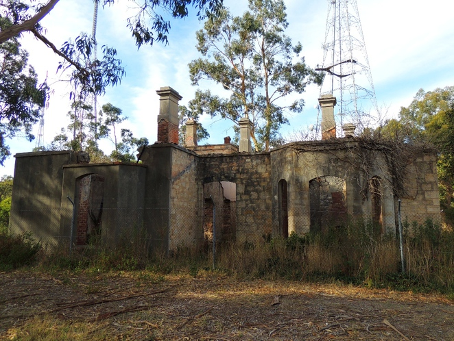 about south australia, adelaide hills, national trust sa, about adelaide, historic properties, abandoned mansions, cleland conservation park, arthurs seat, adelaide heritage, bay windows