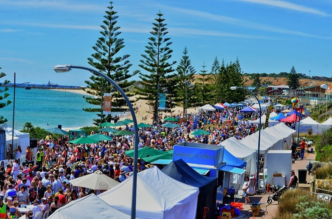 beachside food and wine festival, mclaren vale, fleureu peninsula, food and wine, free things to do, fun things to do, market stalls, fun for kids, free event, christies beach