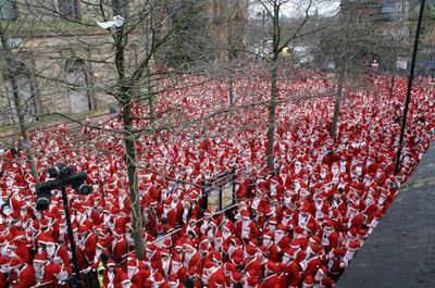 Guinness Book of World Records: Largest Gthering of Santas (Source: Guinness Book of World Records)