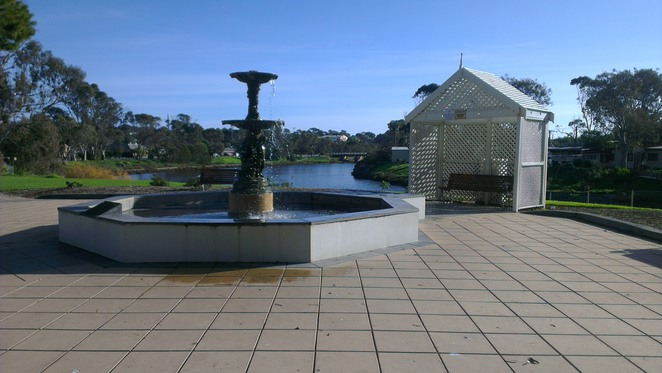 market square, park, old noarlunga, onkaparinga river, fountain, princess diana memorial