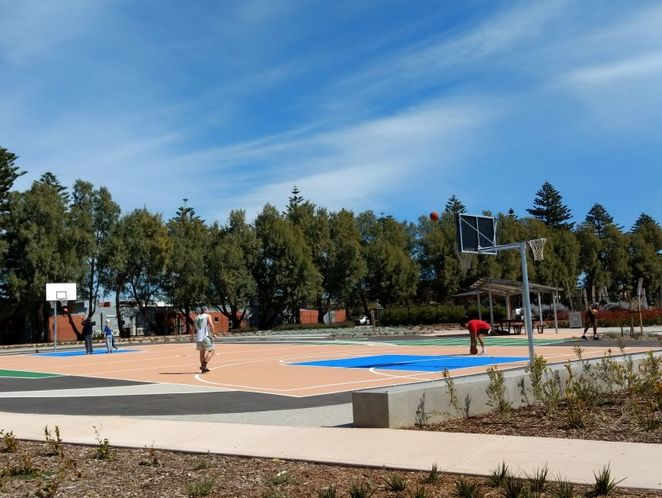 Roy Marten Park, Taperoo, dog park, playground, play, kids, dogs, park, free, netball courts