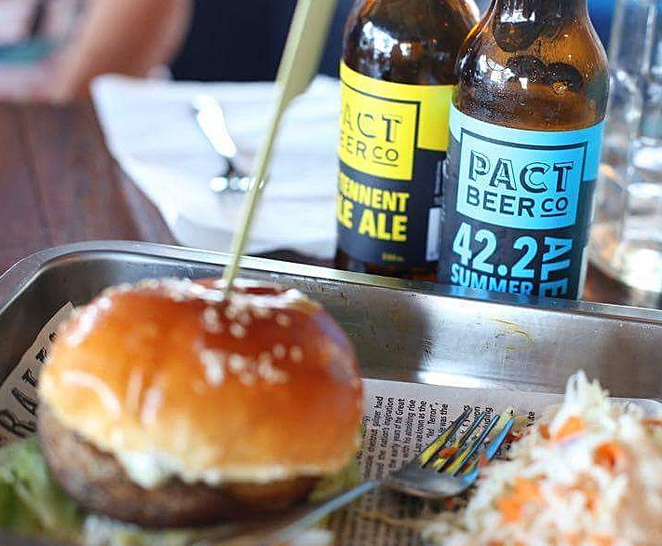 beef and barley, burgers, kingston foreshore, ACT, canberra burgers, best burgers, kingston, lunch, dinner, beer,