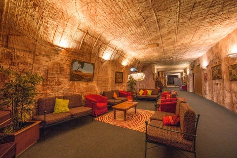 Coober Pedy, Comfort Inn, underground accommodation, hotels South Australia, outback luxury, opal mining, dugouts