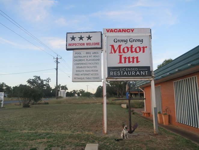 grong grong motor inn, grong grong, sydney, melbourne, brisbane, small town, new south wales, farming village, close community, newell highway, narrandera, west wyaong, dog friendly, motel, hotel, bed and breakfast, accomodation, the anchor restaurant, restaurant, coffee, free wifi