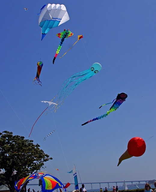 Make,a,kite,out,of,plastic,bags