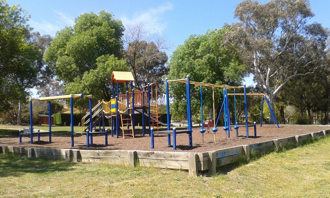 Monash playground, Alabaster street, tuggeranong, playgrounds, parks, best parks in tuggeranong, south of canberra parks