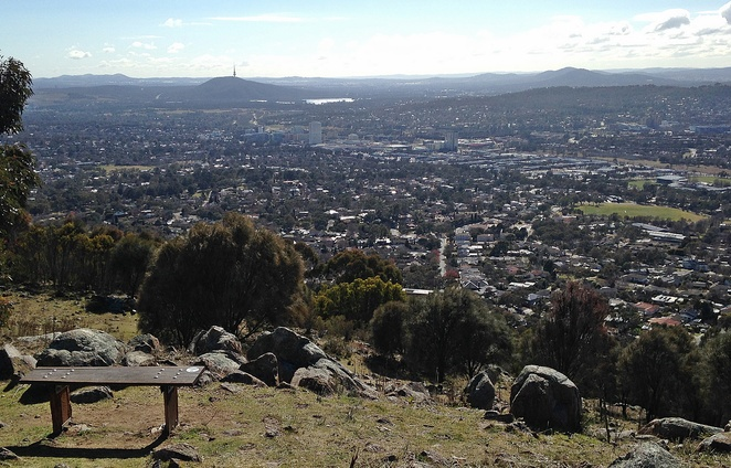 mount taylor, canberra, canberra nature park, wlaking trails, ACT, bushwalks, uphill walks,