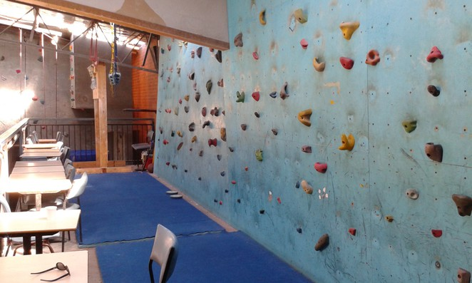 canberra indoor rock climbing, hume, mitchell, exercise classes, rock climbing, school holidays, birthday parties, kids, adults, ladies night, mums and bubs
