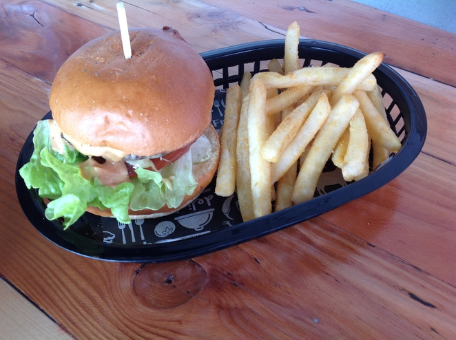 Classic Cheese Burger, The Woods Pantry