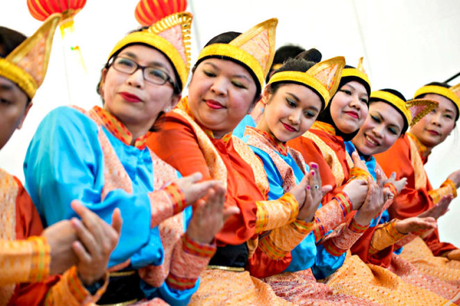 dandenong market, full moon festival, mooncake festival, authentic asian cuisine, cultural performances, family fun activities, chilren's workshops, shopping, restaurants, market, community event, cultural event