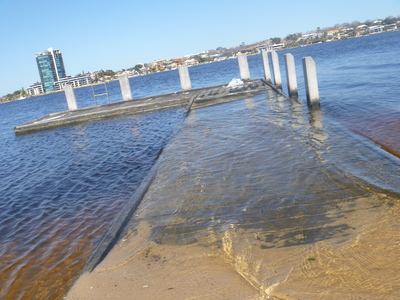 high, tide, flooded, jetty, olive, reserve, como, swan, canning, river