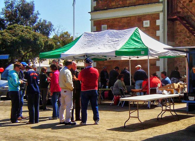 manoora, manoora hall twilight market, manoora hall, manoora hall markets, manoora institute, manoora hotel, market stalls, gilbert valley, south australia, meet the locals