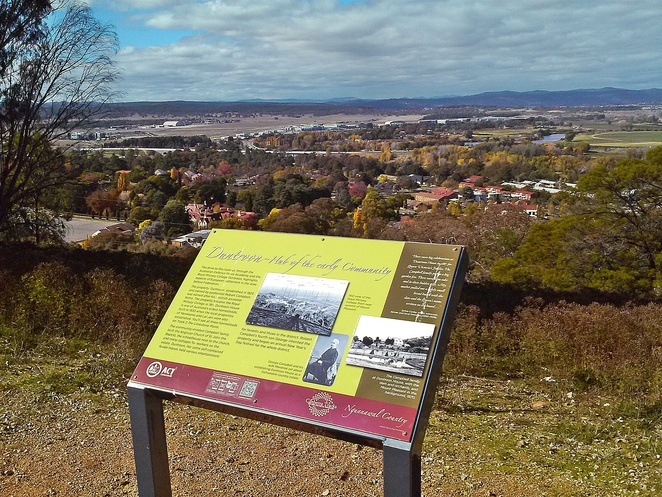 mount pleasant lookout, canberra, lookouts, views, ACT, lake burley griffin, duntroon, memorial, guns,