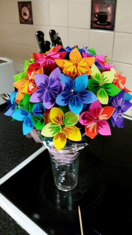 How to make origami flowers everywhere origami flowers large image mightylinksfo