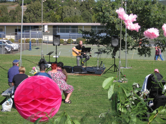 Pink Fig Mothers' Day Markets Live Act Music