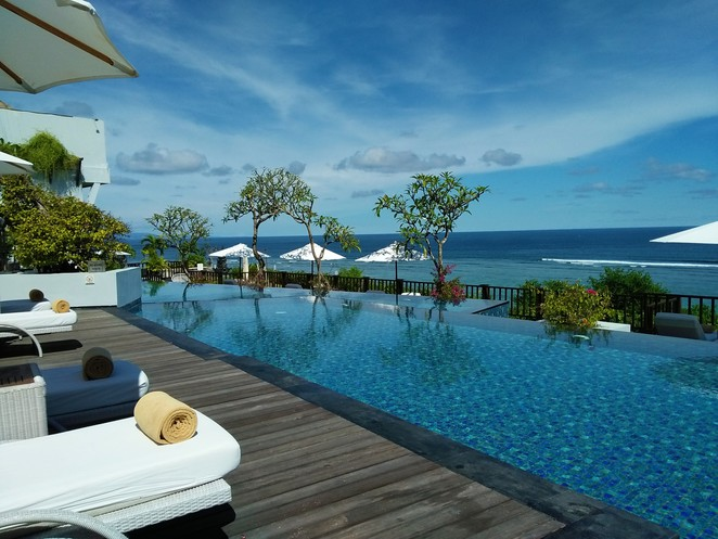 poolside at Samabe Bali Suites & Villas
