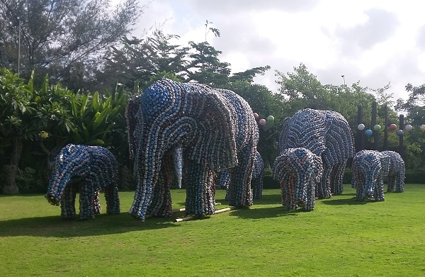 recycled cans, big garden corner, elephants bali