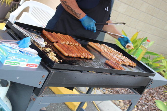sausage sizzle, markets, fair, family day out, free fun, family outing, community event, barbecue, bbq