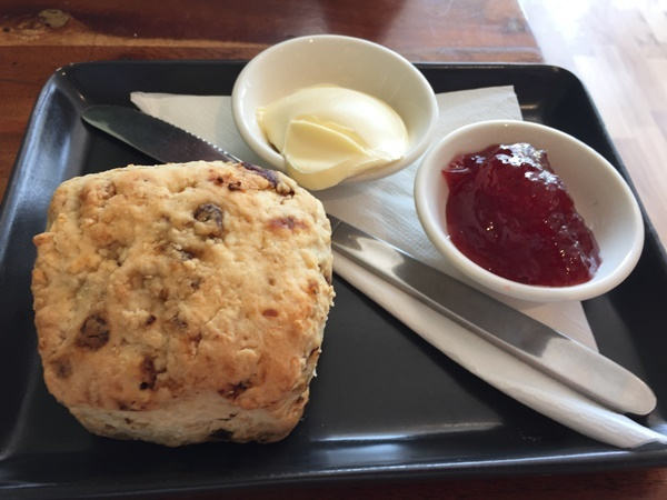 scones,butter,and,jam