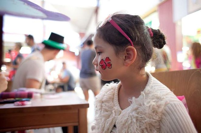 south melbourne market face painting