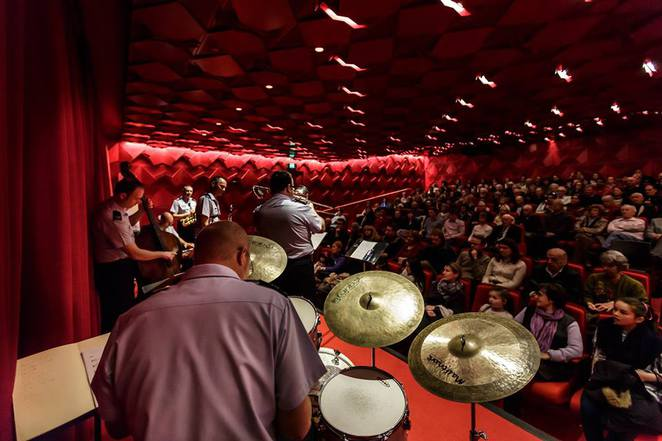 jazz concert reflection Mothers' day jazz - a reflection this year's mothers' day jazz concert was the fourth mothers' day i've spent at ggs i remember my eldest son.