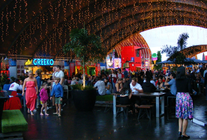 An option for weekends is to eat at the Eat Street Markets