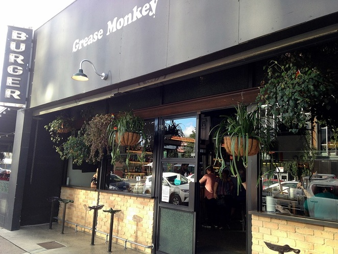 grease monkey, braddon, canberra, burgers, ACT, best burgers, lonsdale street, steak, greasys burger,
