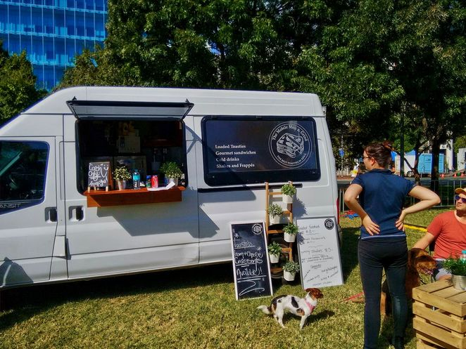 houndwave, houndwave 2, dogs, adelaide, light square, music festival, dog friendly, food, free, food choices