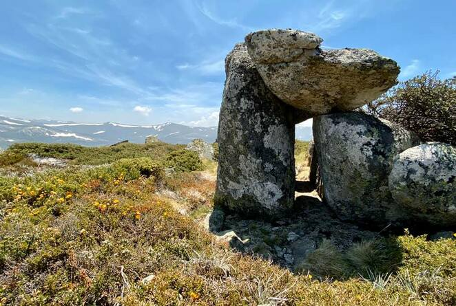 Kosciuszko National Park - stunning views along the hike to the snow at Mount Stilwell