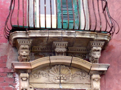 Balcony Cornices in Ortygia, Siracusa (c) JP Mundy