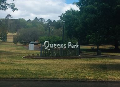 Queens Park Toowoomba, Toowoomba, Toowoomba parks, sightseeing, flowers, family day, picnic spots